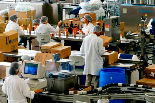 Serviço de limpeza em fábricas e escritórios